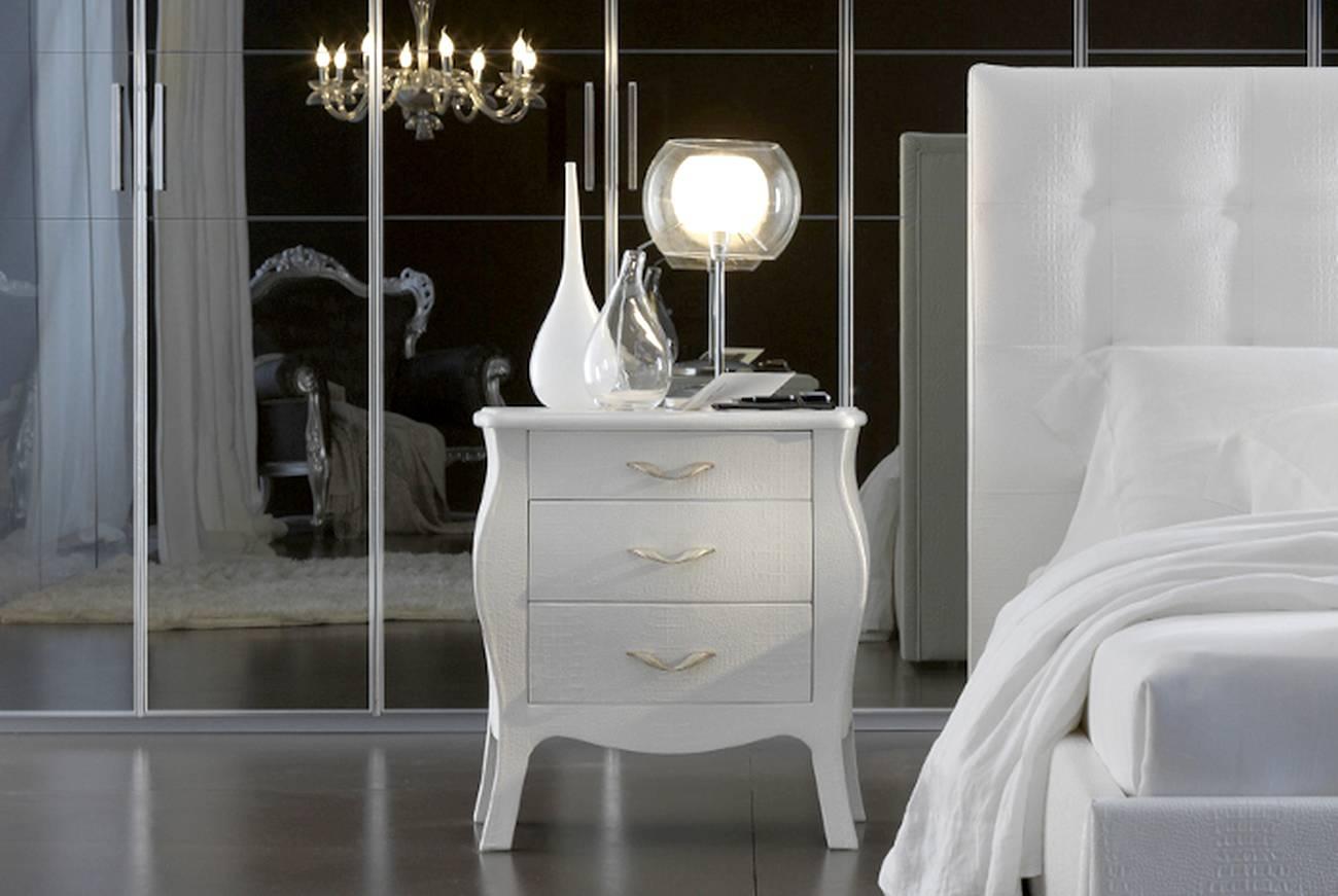 Белая прикроватная тумбочка для спальни